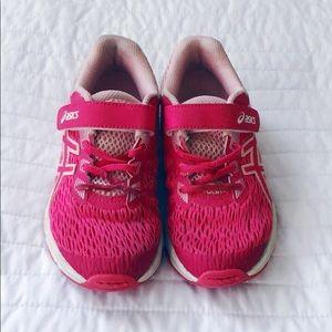 Girl's ASICS Tennis Shoes